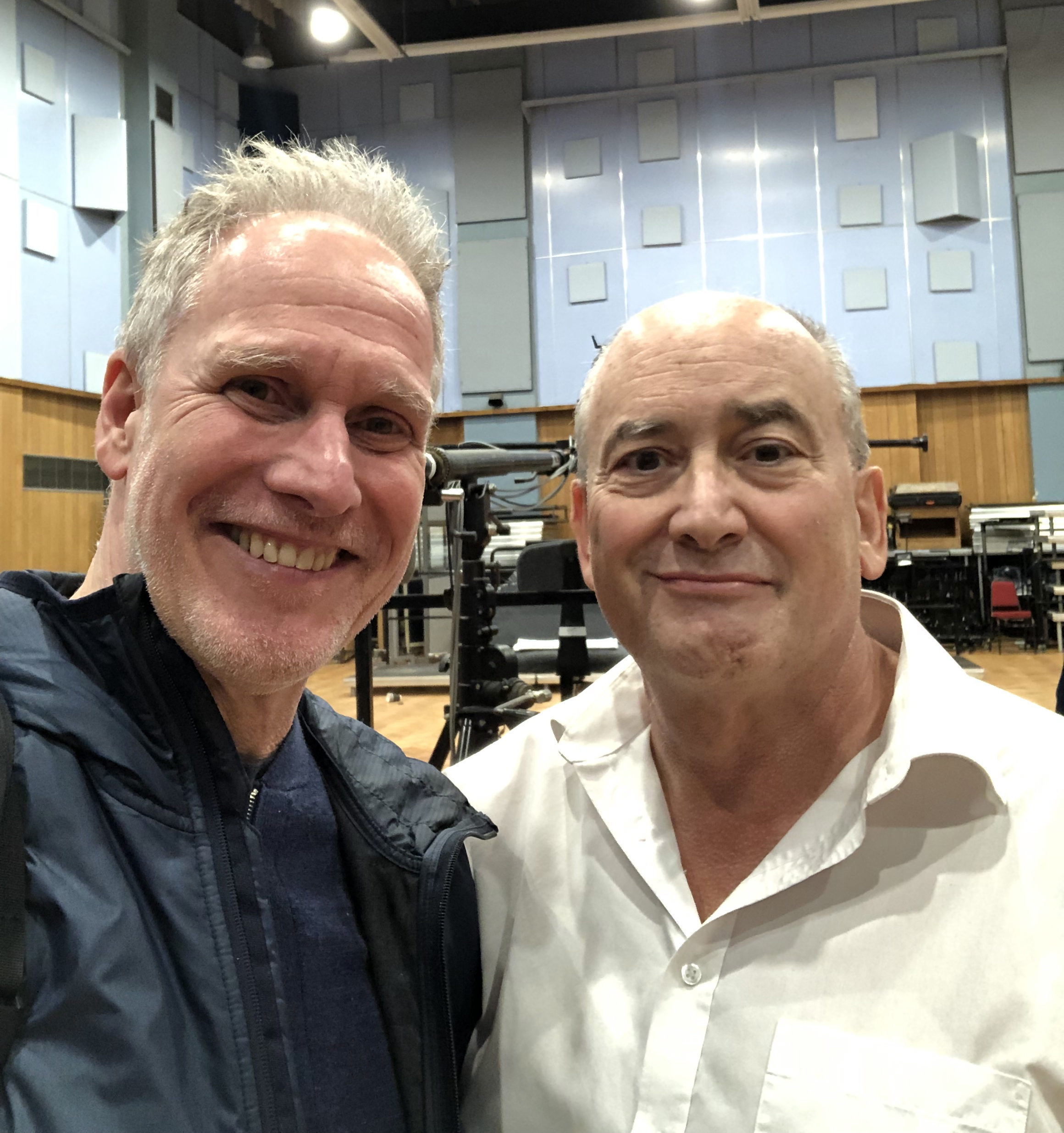 Peter Walsh und John Kurlander im Abbey Road Studio One in London